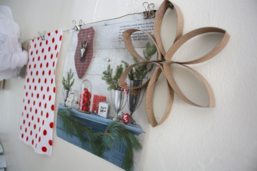 DIY Hanging Collage: Christmas Style