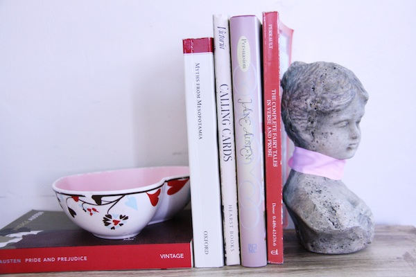 Pink and red books | redleafstyle.com