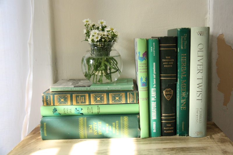 Green Vintage Books | redleafstyle.com