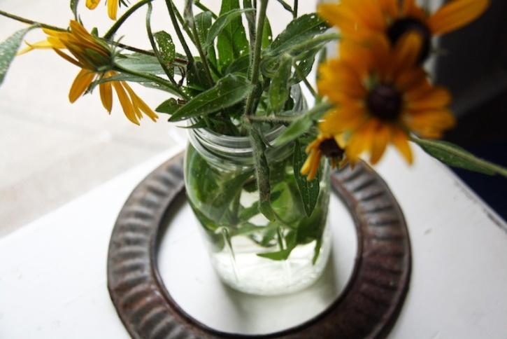 Yellow flowers in mason jar | redleafstyle.com