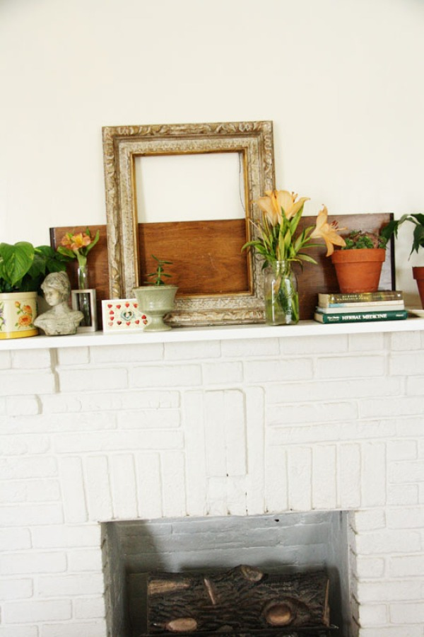 Rustic Mantle Display | redleafstyle.com