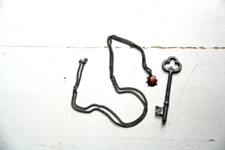 Vintage bone key | redleafstyle.com
